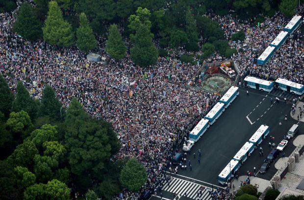 安保法案反対の国会前デモに関連した画像-04