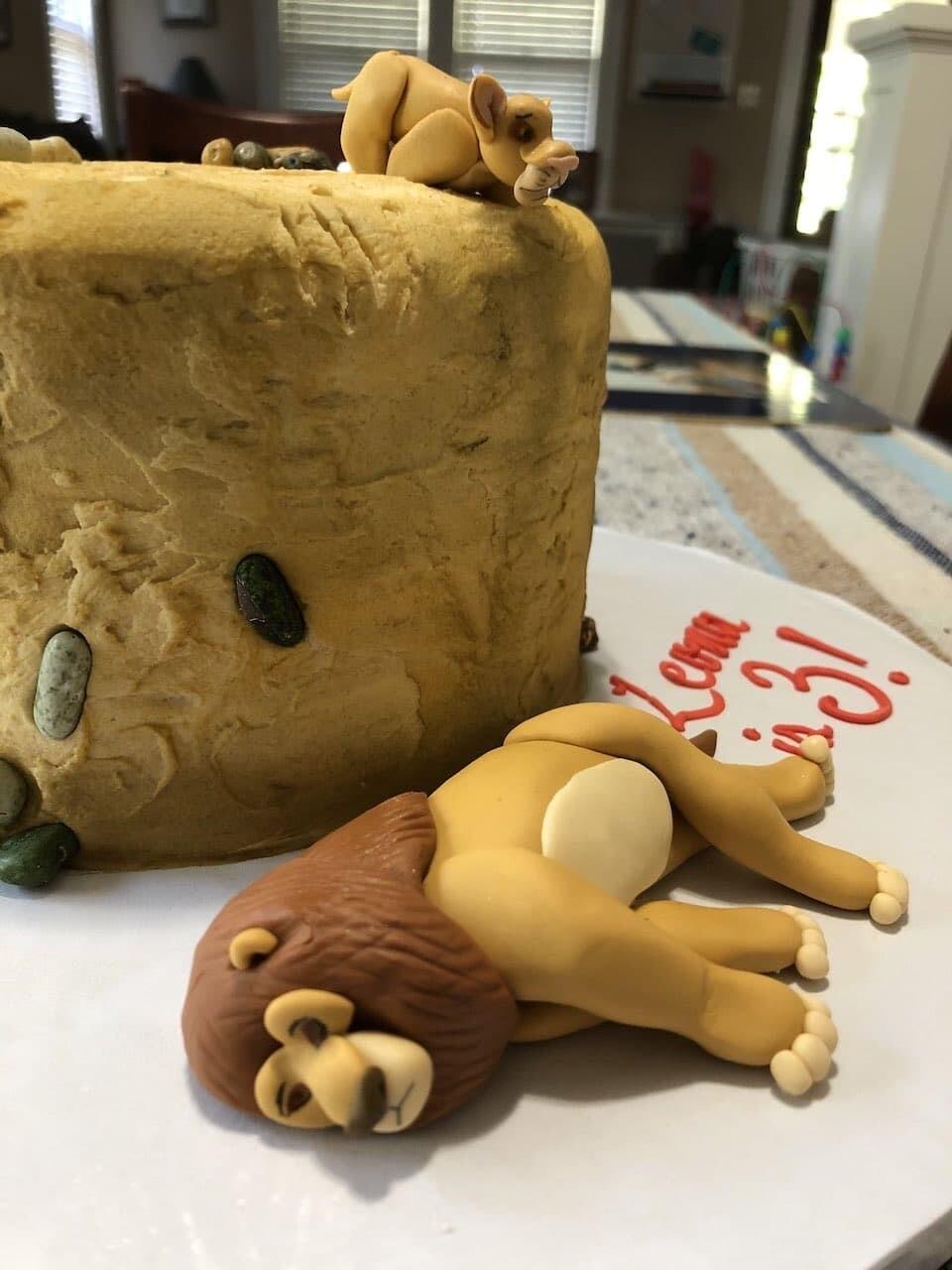ライオンキング 誕生日 ケーキ アメリカ