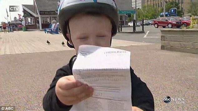 3歳児、警官に駐車違反キップを切られるに関連した画像-03