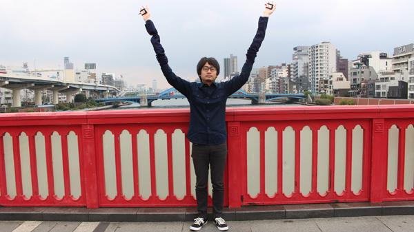 自撮り棒が恥ずかしい日本人男性、腕を長くすることを思いつくに関連した画像-04