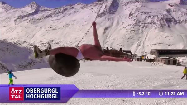 """スキー場のウェブカメラが捉えた""""ハプニング""""映像に関連した画像-04"""