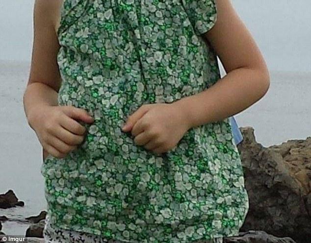 女の子の背後に日本のサムライが写り込むに関連した画像-03