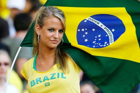 ブラジル惨敗でサポーターの表情が「悲しすぎる」に関連した画像-01