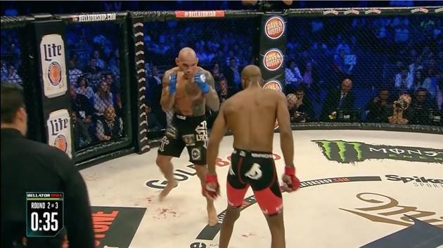 マイケル・ペイジ選手KOを決め『ポケモンGO』に関連した画像-02
