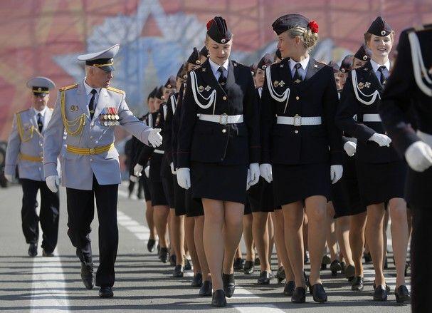 ロシアの女性警官に関連した画像-04