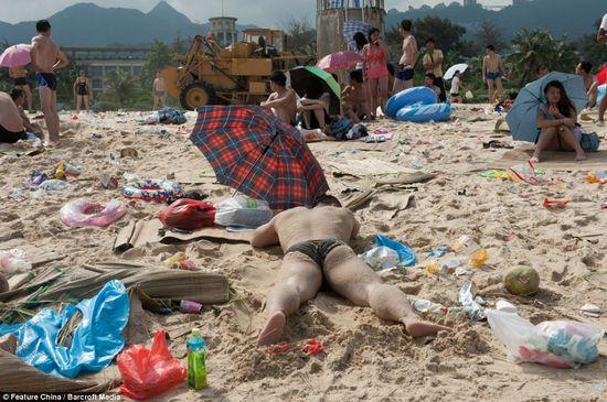 中国の海水浴場がゴミだらけで、外国人唖然に関連した画像-07