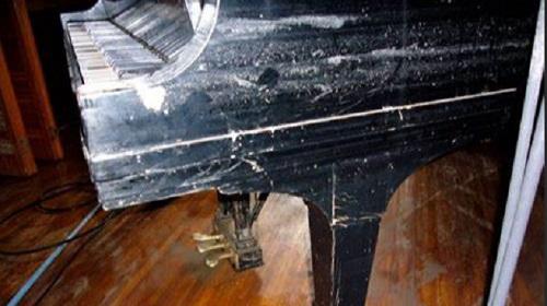レバノン 爆発 ピアノに関連した画像-01