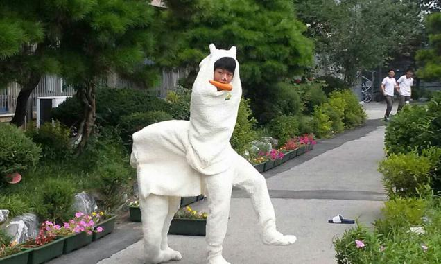 韓国の高校生の卒業アルバムに関連した画像-01