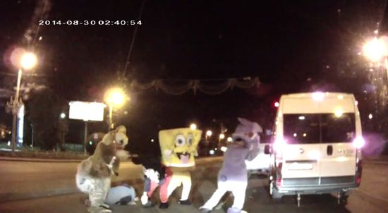 「ミッキーマウス」「スポンジ・ボブ」集団暴行に関連した画像-06
