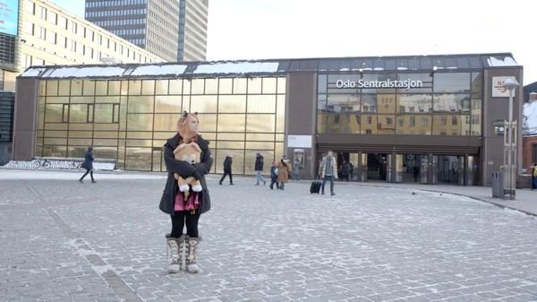 自分を「人間の体に閉じ込められたネコ」だと信じる北欧女性に関連した画像-01