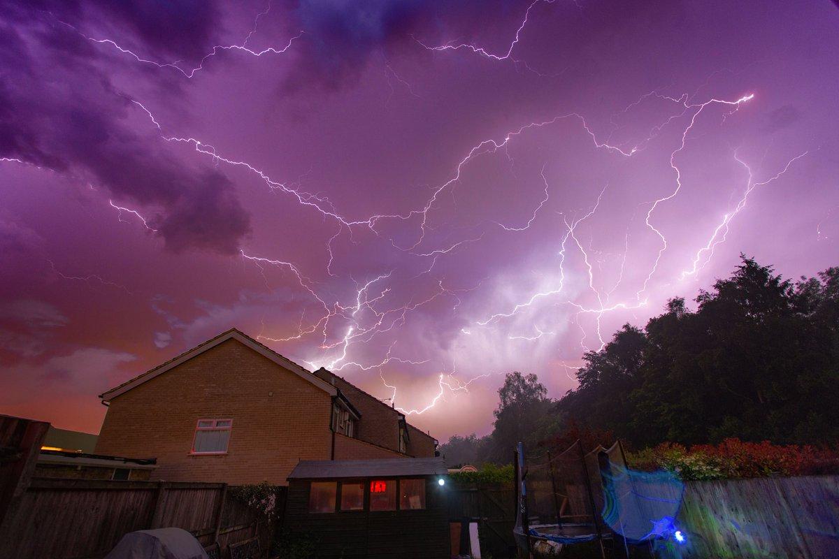 あらゆる雷雨の母(Mother of all thunderstorms)に関連した画像-04