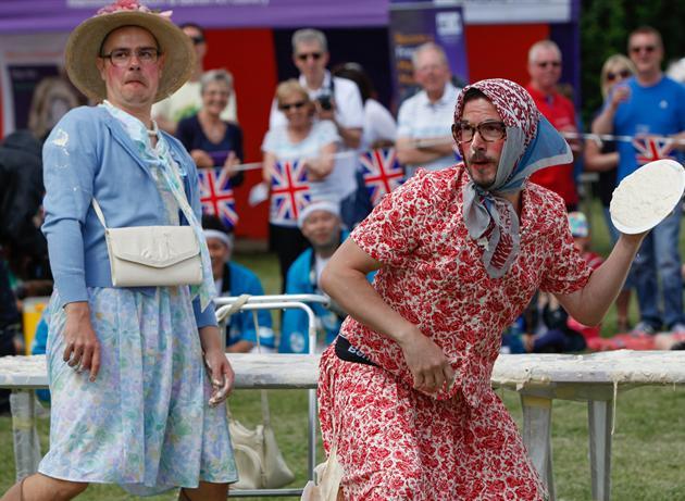 イッテQチーム、イギリス「パイ投げ祭り」でまさかの優勝に関連した画像-08