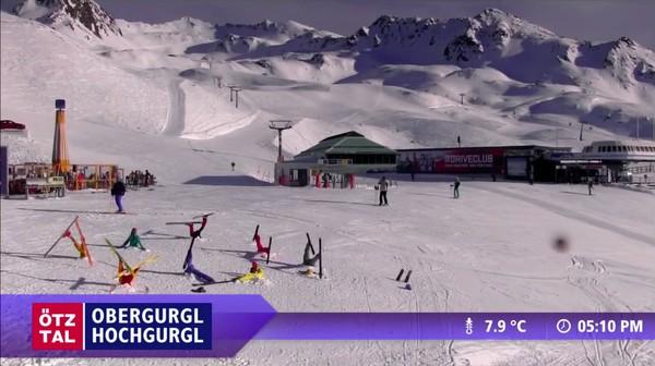 """スキー場のウェブカメラが捉えた""""ハプニング""""映像に関連した画像-05"""