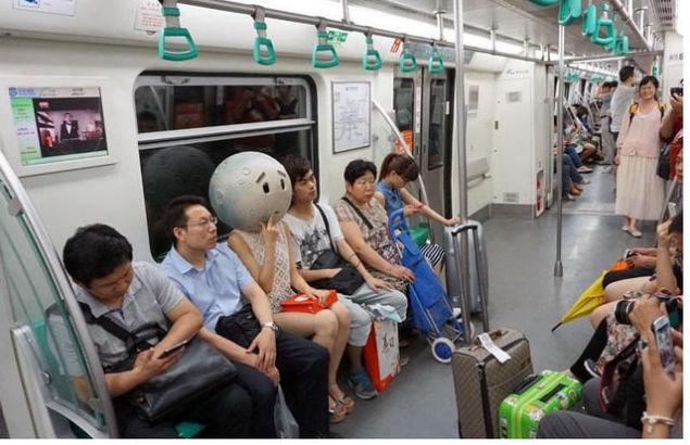 北京地下鉄8号線に月に関連した画像-06