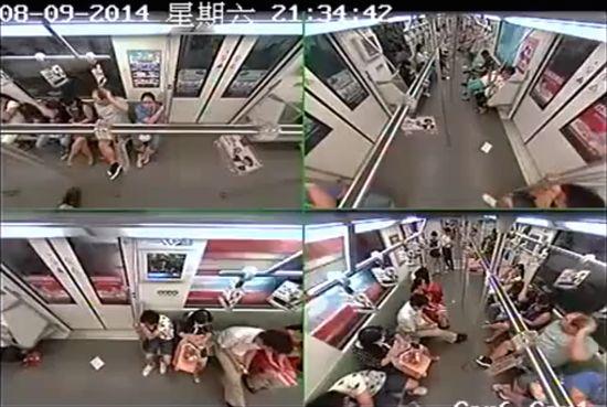 外国人が地下鉄車内で倒れ、乗客パニックに関連した画像-02