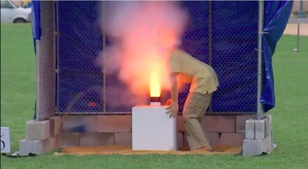 CPSCが「花火の安全な取り扱い方」を実演に関連した画像-03