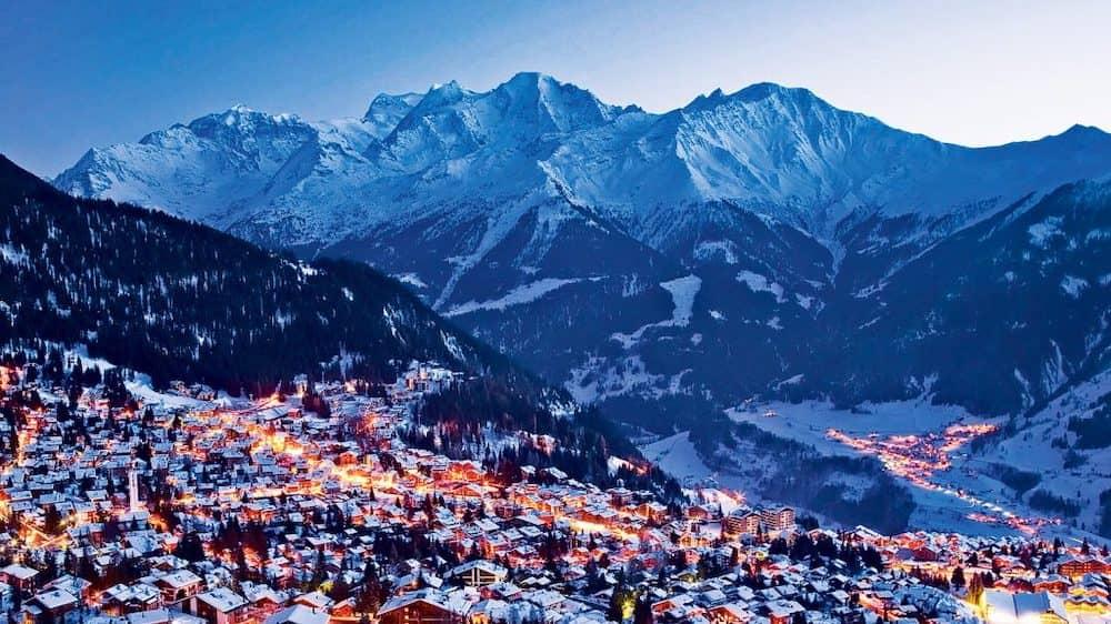 スイス 新型 コロナ 隔離 イギリス スキー場