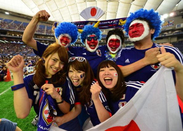 日本人サポーターのコスプレに関連した画像-02