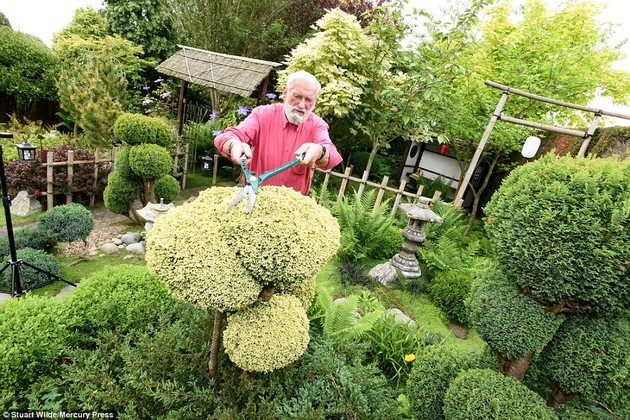 ジョン・ブレードさん15年かけて自宅に日本庭園に関連した画像-06