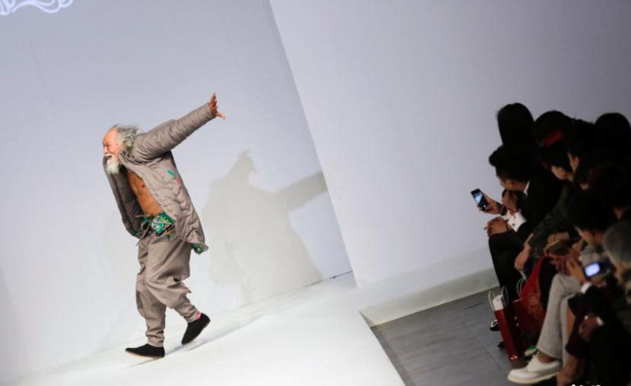中国のファッションモデル(79歳)に関連した画像-06