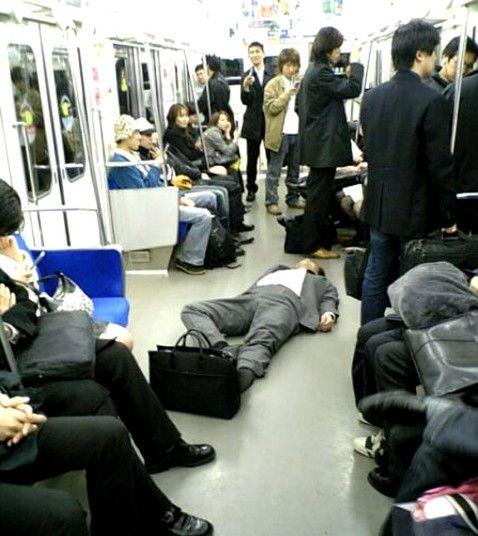 日本のサラリーマンに関連した画像-04