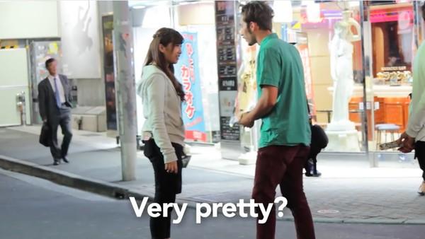 東京で知らない女性に片っ端からプロポーズしまくった外国人に関連した画像-01