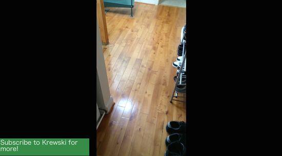 ノリノリで掃除するルームメイトに関連した画像-02