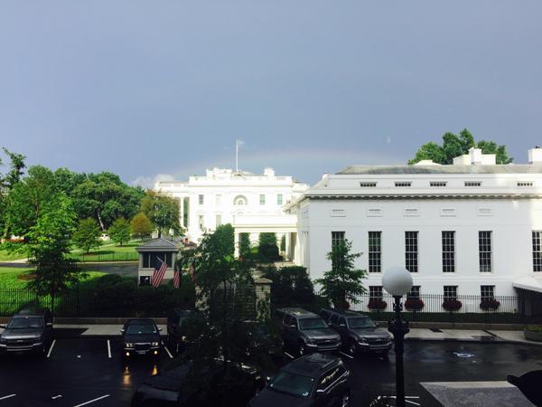 ホワイトハウス上空に虹に関連した画像-02