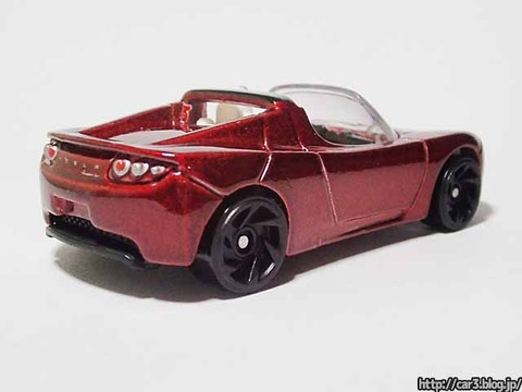 Hotwheels_TESRA_ROADSTER_WITH_STARMAN_03