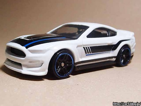 Hotwheels_Ford_shelby_GT350R_01
