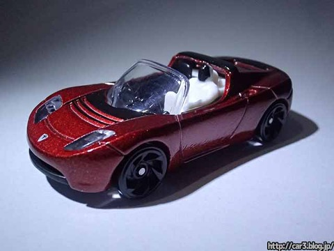 Hotwheels_TESRA_ROADSTER_WITH_STARMAN_01