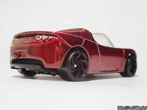 Hotwheels_TESRA_ROADSTER_WITH_STARMAN_05