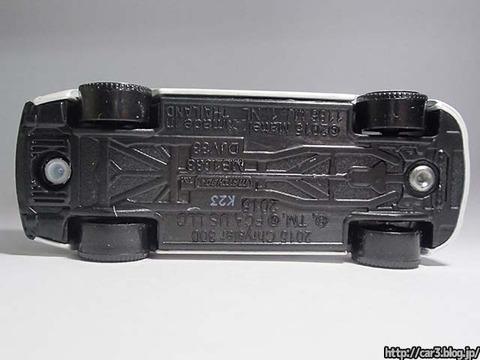 マッチボックス・クライスラー300C_12