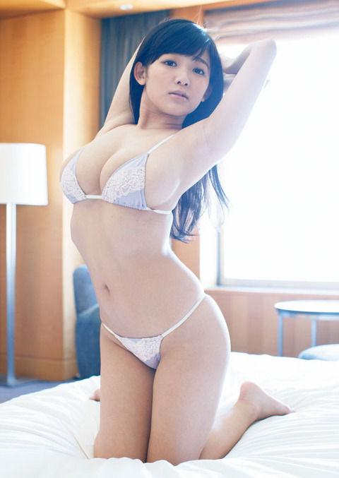 天木じゅん「月刊ヤンマガ」グラビアで東京デート バスト96の大胆カット(画像あり)