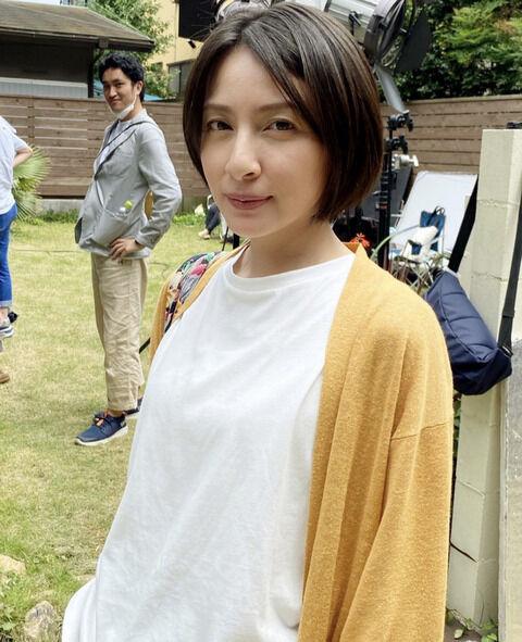 奥菜恵さん(40歳)、まだ全然いける(画像)