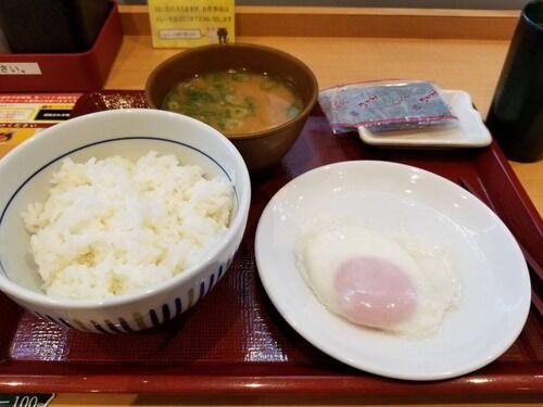 【画像あり】日本人の一般的な「朝食」が健康的過ぎて独り暮らしには真似できない…