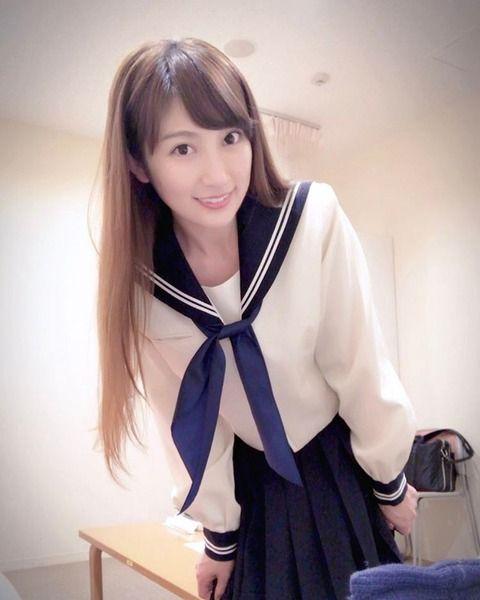 熊田曜子 35歳セーラー服姿を披露「美しすぎJK」(画像)