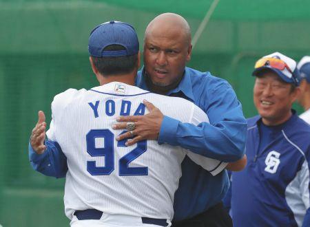 【悲報】中日、LINEでコーチ就任を打診し相手を激怒させる