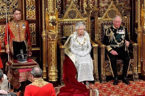 【ブレグジッド】離脱交渉に「なお大きな溝」とEU高官、イギリスは女王の演説で議会開会へ