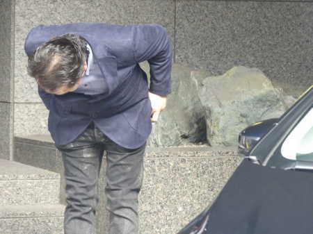 三田佳子の次男の高橋祐也被告が保釈 まるで別人 髪薄くおじぎ 変貌ぶりにネットで騒然