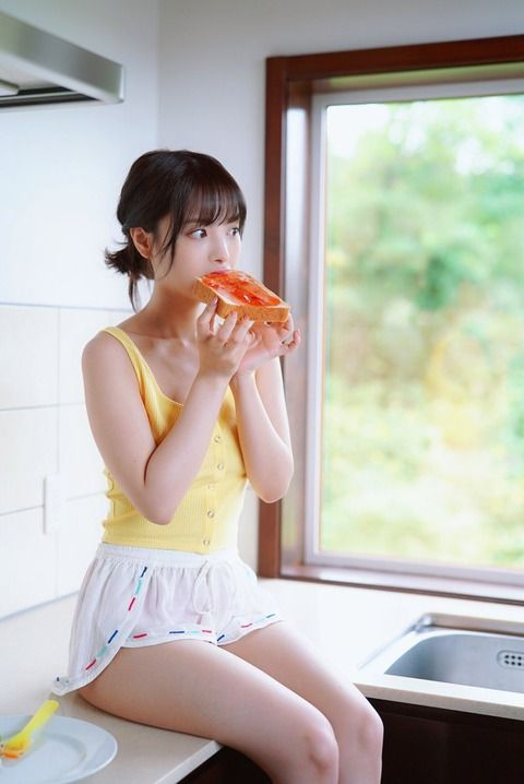 セクシー女優・桃乃木かなさん、ヤマザキ春のパンまつりのキャンペーンガールに(画像)