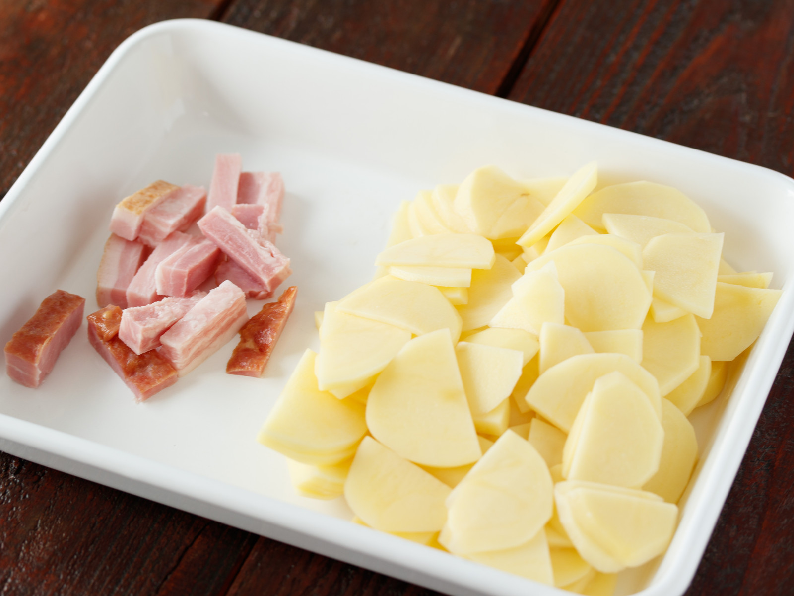 ポテト チーズ ベーコン