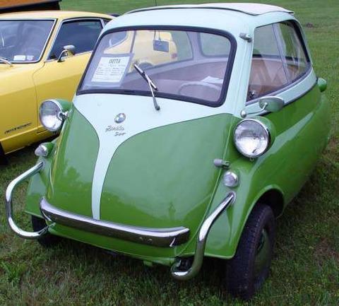 a-isetta-500-1958-bmw-isetta-300-coupe-green-powtmk