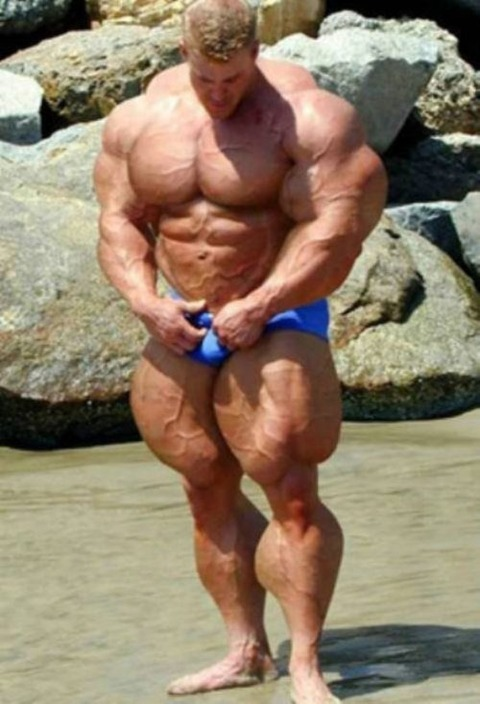 roided-out-bodybuilders-23