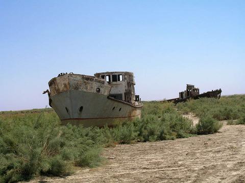 orphaned-ships-moe28098ynoq-uzbekistan