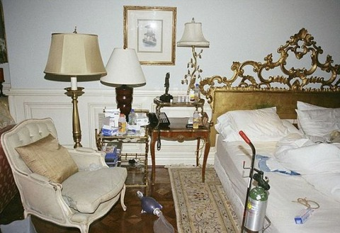 inside_the_room_where_michael_jackson_spent_his_last_days_640_05