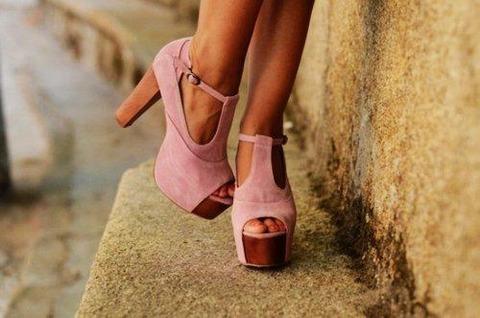 Pink heels 1