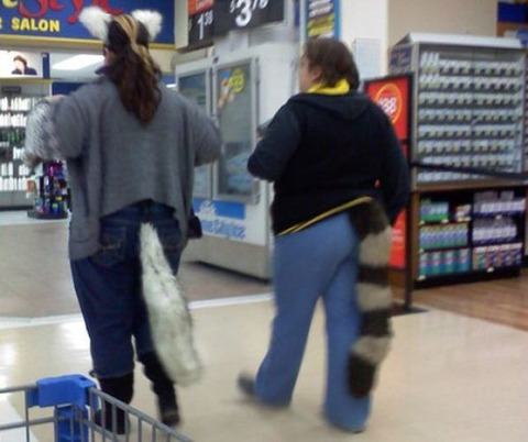 what_you_can_see_in_walmart_part_19_640_01