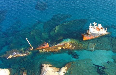 shipwreck_by_darth