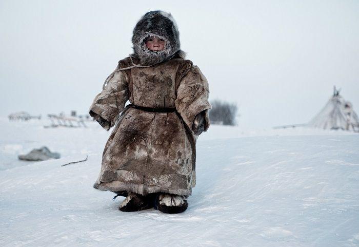 シベリアに暮らすネネツ族の少年。 -30度になる地域で暮らしているんですって。